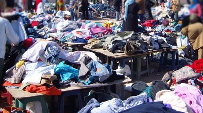 """90% des Tunisiens achètent des """"vêtements usagés"""" …  et le ministère du Commerce veut soutenir la filière"""