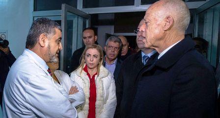 Tunisie – Kaïs Saïed et Youssef Chahed se rendent au chevet des blessés de l'accident du bus
