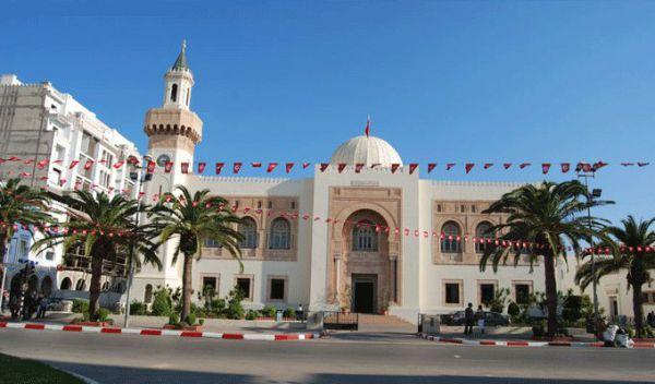 """Tunisie :  La Place Fadhel Ben Achour baptisée """"Rabaa""""- Précisions du maire de Sfax"""