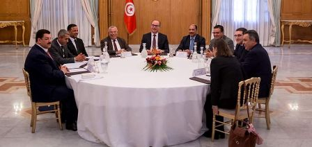 Tunisie – Dar Dhiafa: Les représentants des partis proposent quelques modifications sur la feuille de route