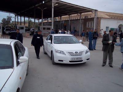 Libye: Maintien des postes frontaliers de Dhehiba-Wazen et Ras Jedir ouverts pour l'évacuation des ses citoyens coincés en Tunisie