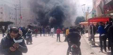 Tunisie – VIDEO: Des protestations sociales à cause des pénuries d'aliments et de l'absence de soutien financier