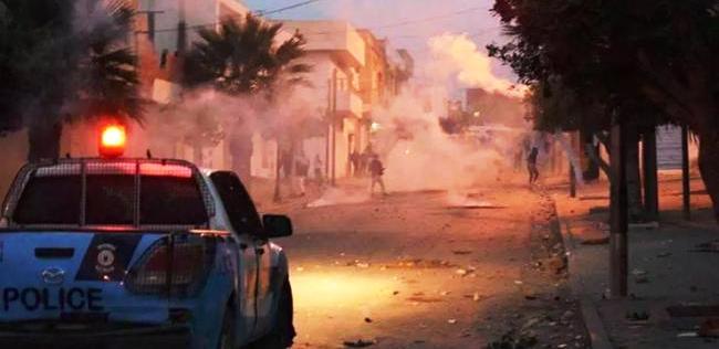 Tunisie – Affrontements entre les forces de l'ordre et des protestataires à Chott Mariem