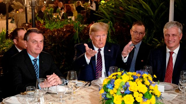 Coronavirus : le chef du service de presse de Bolsonaro, qui a vu Trump, diagnostiqué positif