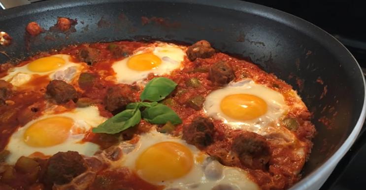 Recette : Ojja merguez Tunisienne ( Ojja aux saucisses de viande )
