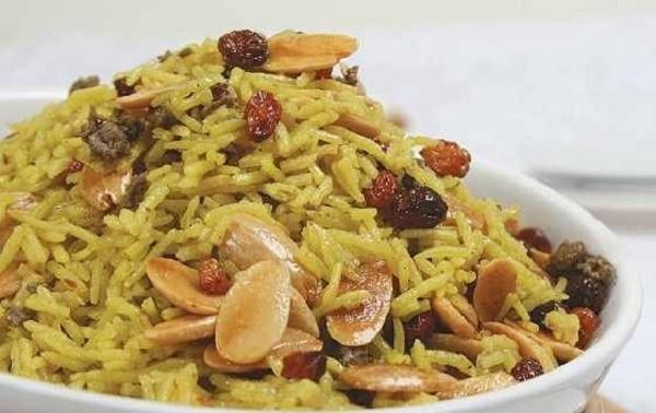 Recette : Riz au poulet et aux fruits secs