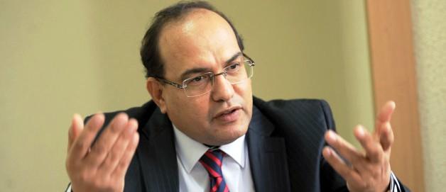 Tunisie – Chawki Tabib ne reconnait pas la décision de Fakhfekh de le limoger
