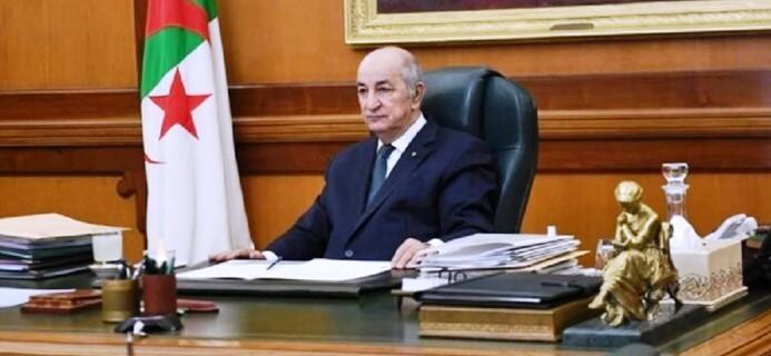 Le président algérien ordonne des enquêtes après les multiples feux de forêt et les coupures d'électricité