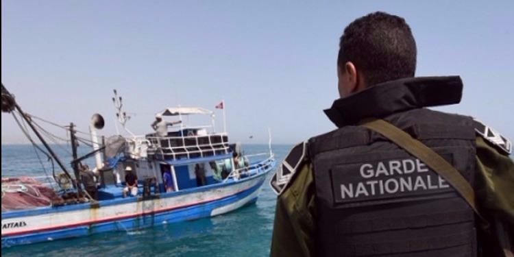 Tunisie: 15 candidats à l'immigration clandestine dont une femme secourus au large de Kerkennah