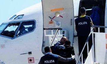 Tunisie: L'expulsion par l'Italie d'immigrés clandestins tunisiens, viole tous les accords, selon Sami Ben Abdelali