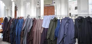 Tunisie : Nouveaux avantages pécuniaires pour 21 mille imams et « cadres » de mosquées…
