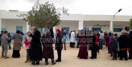 Tunisie – Tataouine: Les parents atteints de covid invités à garder leurs enfants à domicile