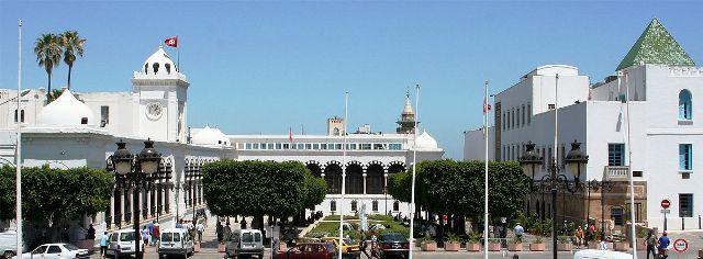 Tunisie – Hichem Mechichi s'entretient avec Nabil Karoui et Anouar Maârouf
