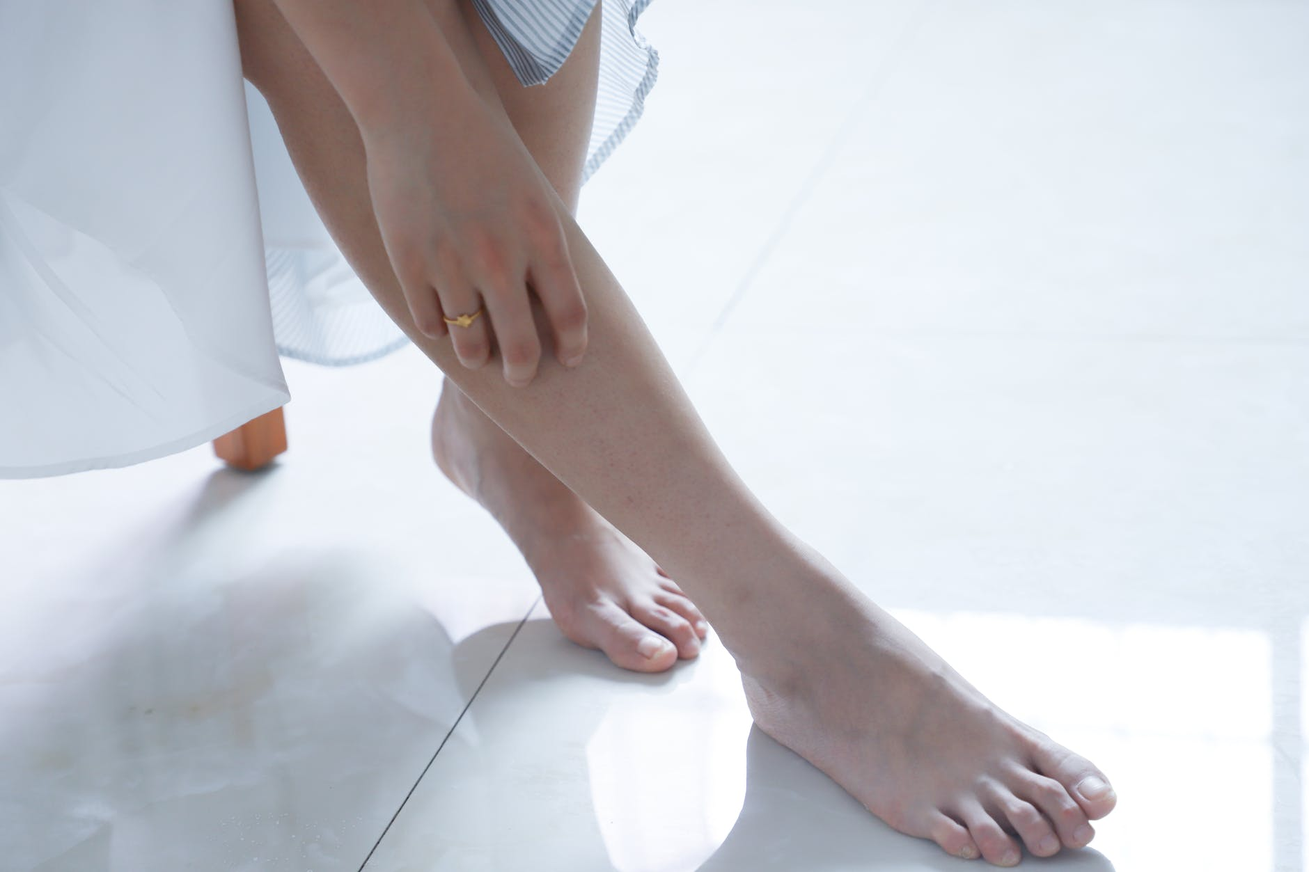 TN beauté : Dites stop aux pieds secs et abîmés !