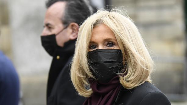 Coronavirus : Brigitte Macron est soupçonnée d'être porteuse de la Covid-19