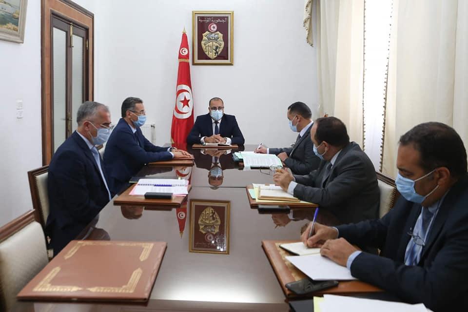 Tunisie : Hichem Mechichi en réunion avec le ministre de l'Intérieur et des hauts responsables sécuritaires