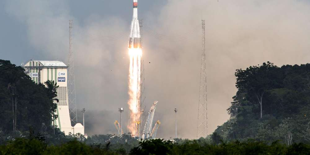 Deux Russes et une Américaine décollent pour l'ISS