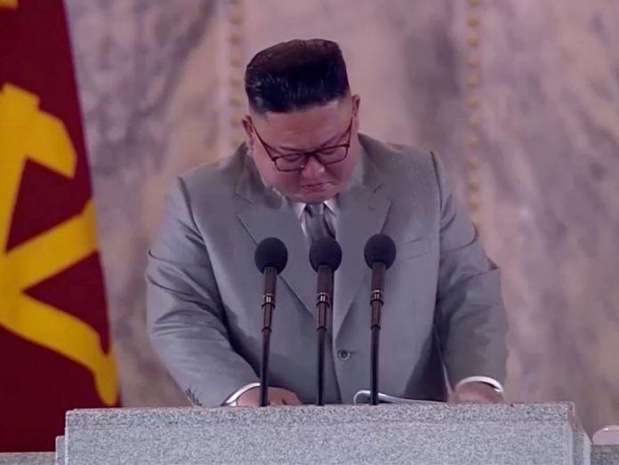 Monde : Kim Jong-un en larmes lors du défilé militaire nord-coréen