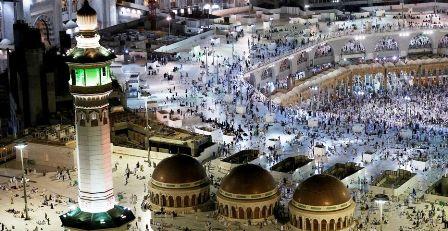 Reprise des prières dans la Mosquée Sainte de la Mecque après une interruption de sept mois