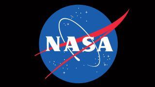 La NASA découvre de l'eau sur la surface ensoleillée de la lune, pour la première fois !
