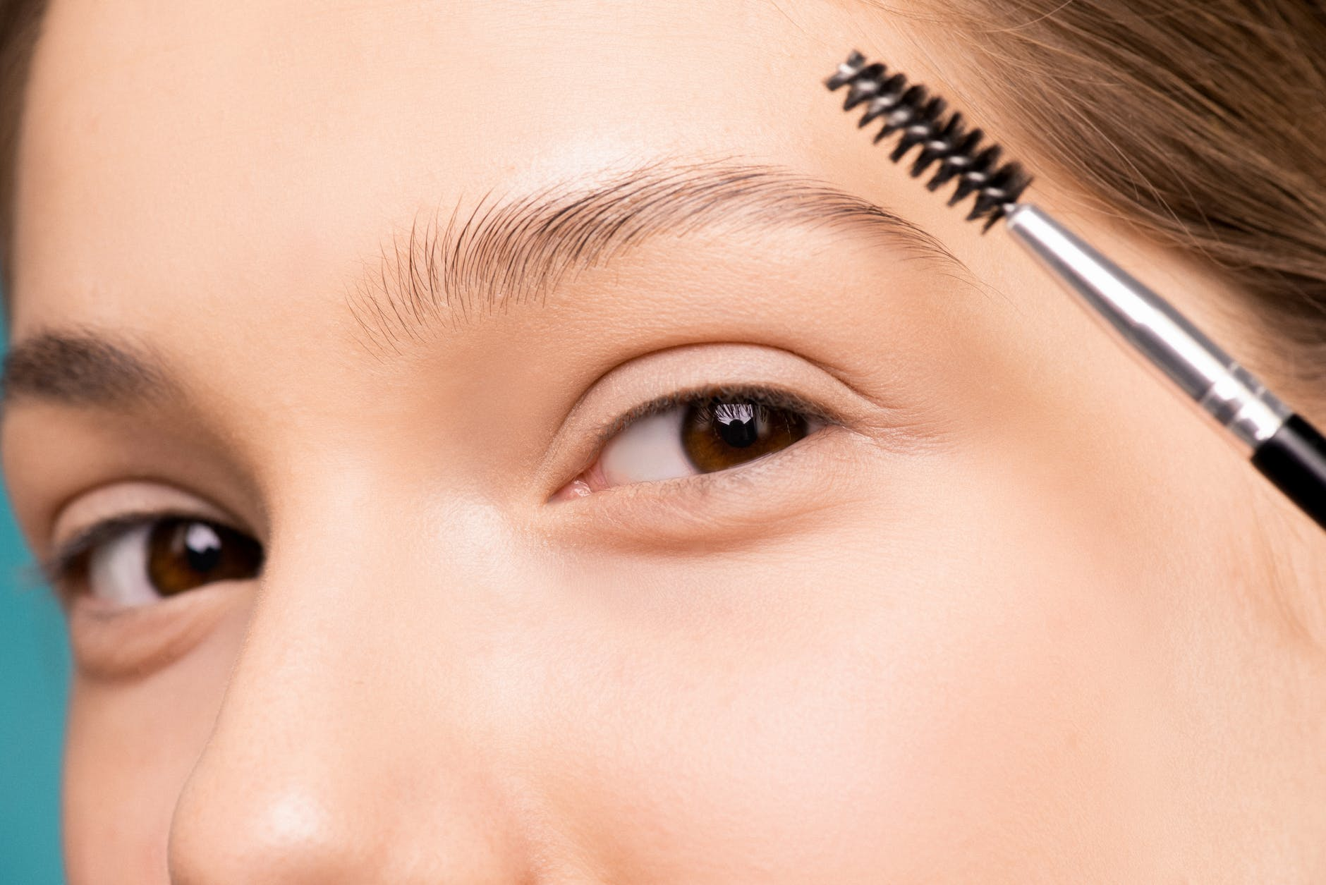 TN beauté : Apprenez à choisir la forme de sourcils qui vous va le plus !