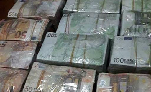 Tunisie: Saisie de sommes en devises à l'aéroport de Tunis-Carthage équivalent à 484.000 dinars