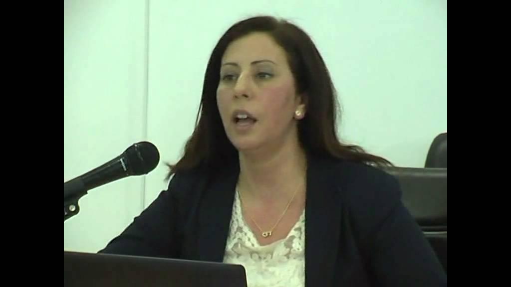 Tunisie : Hasna Ben Slimane persiste et signe l'acte de naissance de la république des bras-cassés