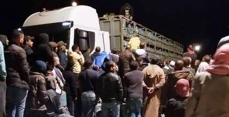 Tunisie – Un camion transportant des bonbonnes de gaz attaqué et dévalisé par des citoyens près de Gabes