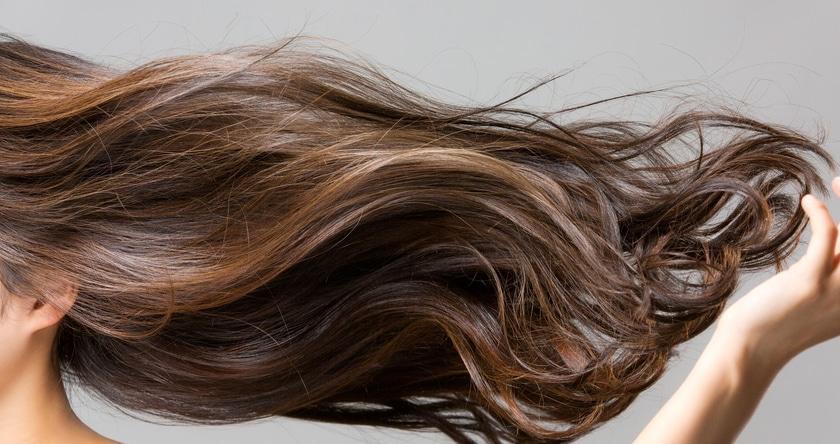 TN Beauté : 4 recettes de masques cheveux maison