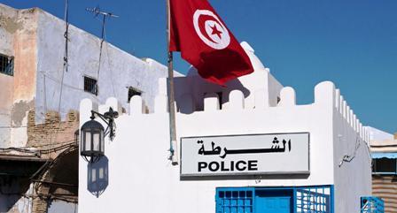 Tunisie – Medina: Un extrémiste attaque au couteau un poste de police en criant Allah Akbar