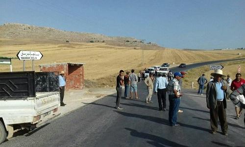 Tunisie: Des protestataires bloquent la route reliant Béja à Mateur