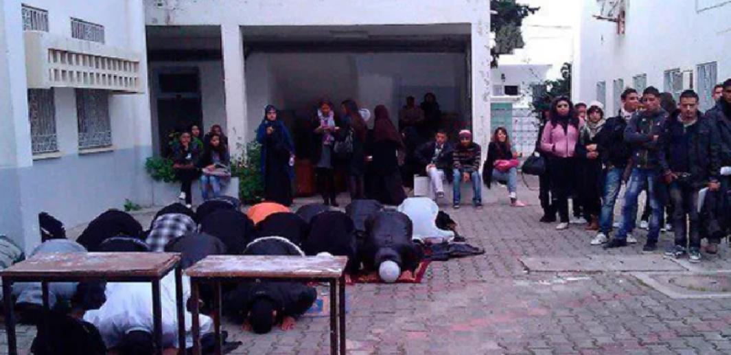 Ephéméride- 27 février 2012 à Tunis : Des salafistes attaquent des étudiants qui dansèrent le Harlem Shake