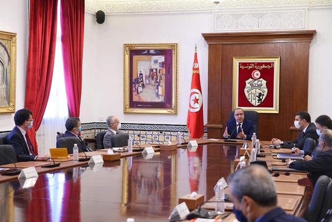 Tunisie-Les professeurs de droit constitutionnel au chef du gouvernement: Ce conflit nécessite une solution politique