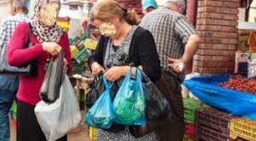 Tunisie – Scandaleux: Le tunisien emprunte désormais pour manger et se faire soigner!