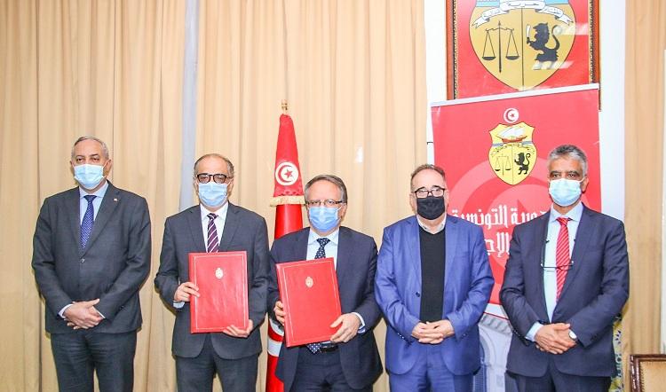 Tunisie: Conclusion de deux accords de coopération entre la Poste et la CNSS