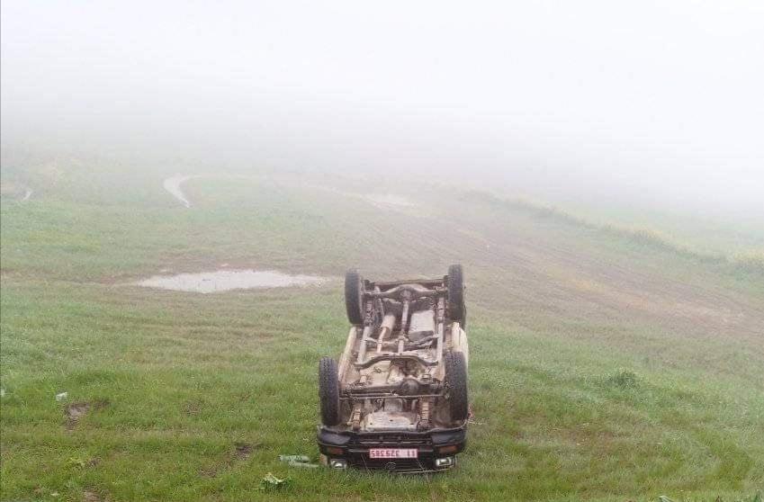 Tunisie-Béja : Une voiture administrative fait un tonneau à cause du brouillard
