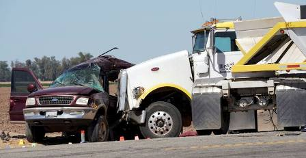 Au moins 15 morts dans un accident de la route en Californie