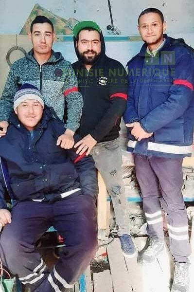 Tunisie: En images, les employés de la Compagnie phosphate de Gafsa portent le brassard rouge