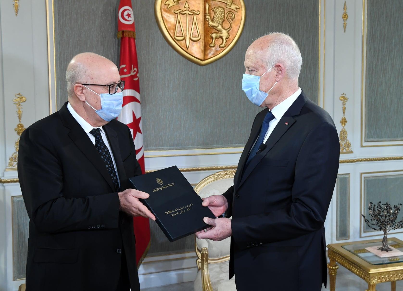 Tunisie: Le gouverneur de la BCT présente le rapport sur les états financiers de l'année 2020 à Kais Saied