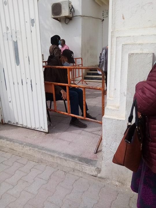 Arrondissement municipal de Borj Louzir: Favoritisme et abus de pouvoir pour une simple légalisation de signature [Photos+ vidéo]