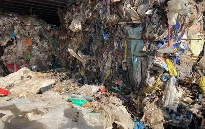 Tunisie-Affaire des déchets italiens: Le ministre de l'Environnement par intérim rassure