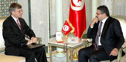 L'ancien ambassadeur américain à Tunis embêté par les prouesses d'Abir Moussi