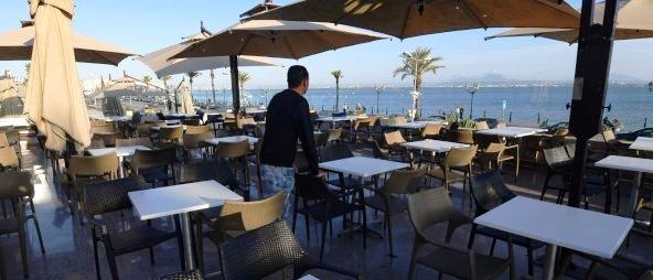 Tunisie – Comment le ministre de la santé va-t-il faire face aux professionnels du tourisme dont il aura causé la faillite?