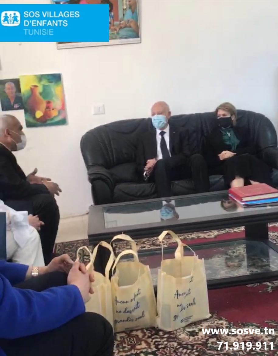 Tunisie: Le président de la République et son épouse en visite au village d'Enfants SOS