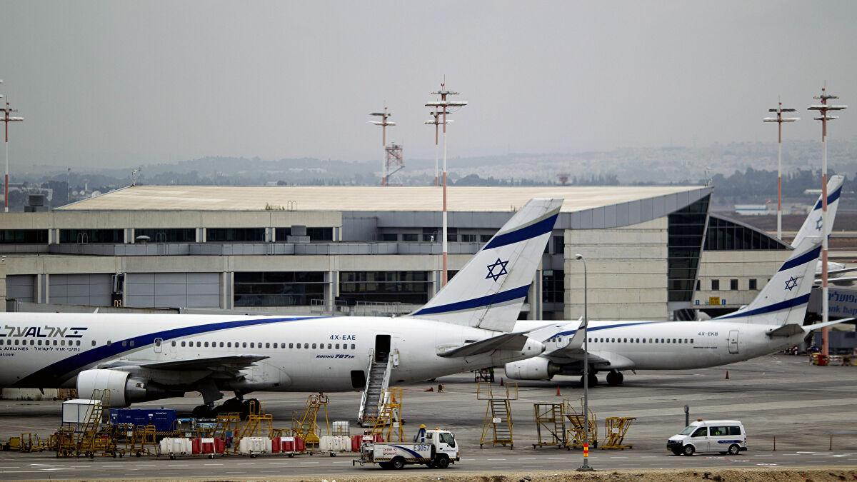 Monde: Les compagnies aériennes internationales suspendent leurs vols vers Tel Aviv