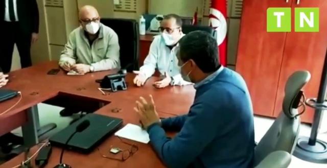 Tunisie – VIDEO: Manque d'oxygène médical: Mechichi frappe du poing sur la table!