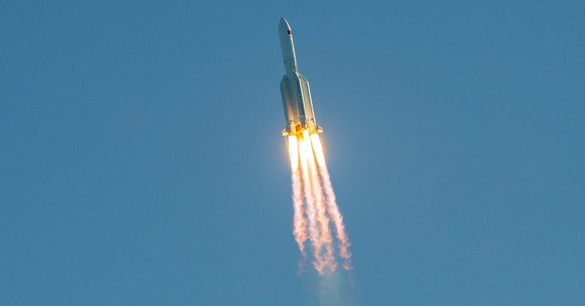 Tunisie : La fusée chinoise est aussi grande qu'un immeuble de 5 étages et elle pénétrera dans l'atmosphère à cette date [Audio]