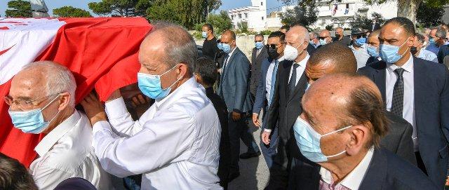 Tunisie – IMAGES: Kais Saïed assiste aux funérailles d'Ahmed Mestiri