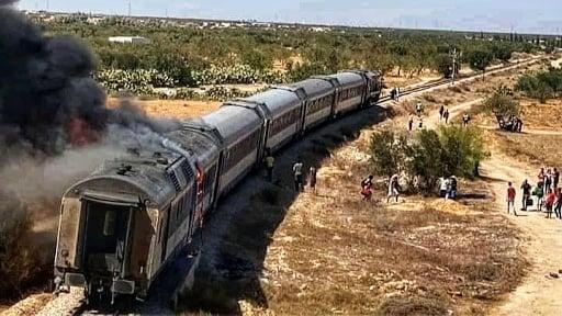 Tunisie: Un train partant de la gare de Tunis prend feu