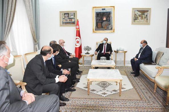 Tunisie: Hichem Mechichi s'entretient avec une délégation de la société italienne Eni [Photos]